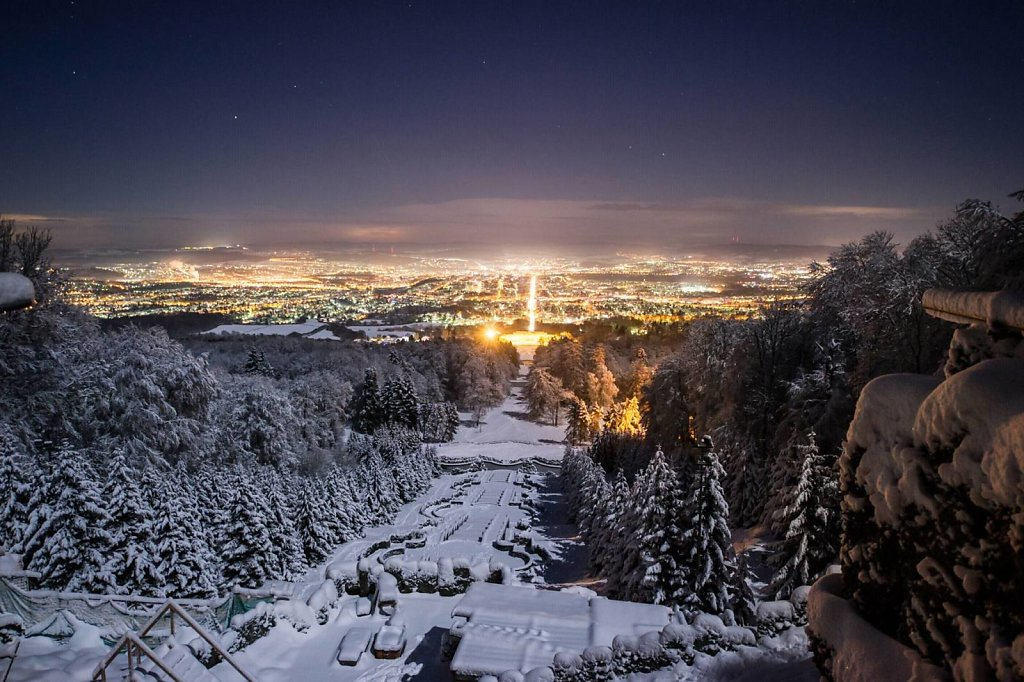 Skyline Kassel bei Nacht